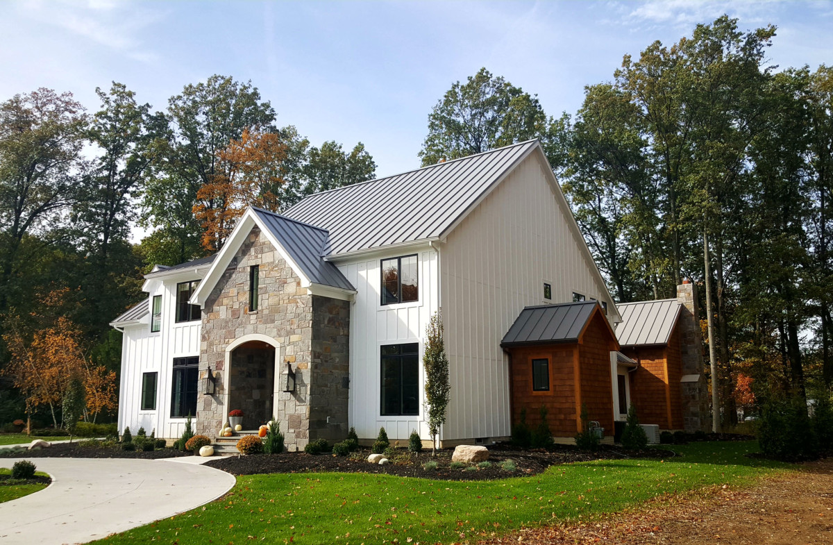 Parklyn modern farmhouse schill architecture for Traditional farmhouse style